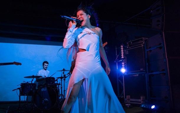 Певица Руслана анонсировала песню и мини-альбом